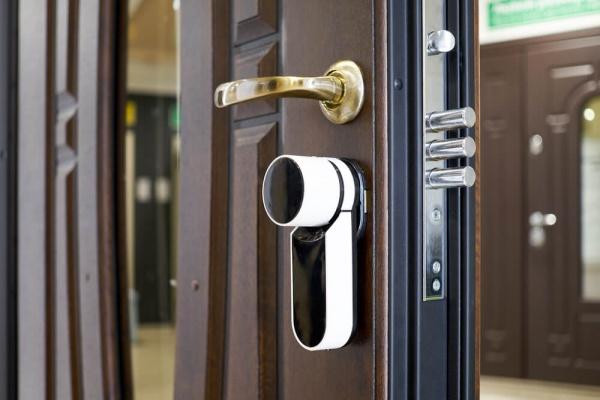отваряне-на-брава-от-ключар