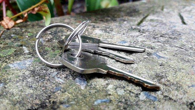 key-4860944_640